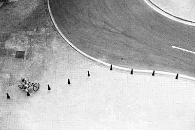 Different Points Of View Photograph - Untitled by Gerd Schneider
