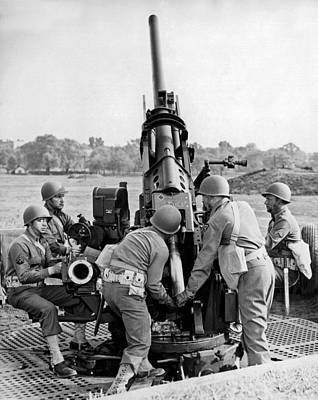 Artillery Photograph - Untitled by Underwood Archives