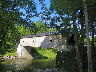 Photograph - Upper Falls Covered Bridge In Perkinsville Vt by Georgia Hamlin