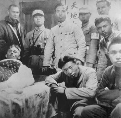U.s. Doolittle Raider With His Chinese Art Print