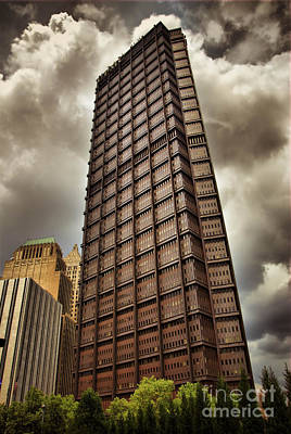 Us Steel Building Pittsburgh Hdr Print by Amy Cicconi