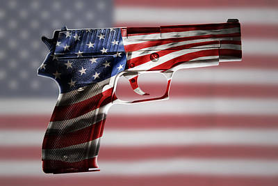 Usa Gun  Art Print by Les Cunliffe