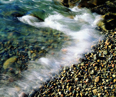 Quartz.rocks Photograph - Usa, Maine, Waves Breaking On A Rock by Jaynes Gallery