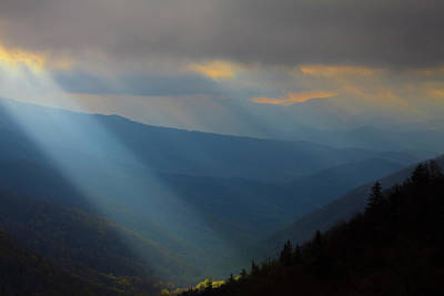 Usa, North Carolina, Sun Rays Art Print by Joanne Wells