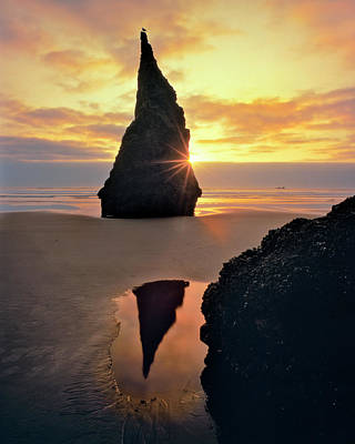 Usa, Oregon Rock Formation At Sunset Art Print by Jaynes Gallery