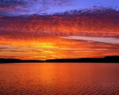 Usa, Oregon Sunset Over Lake Umatilla Print by Jaynes Gallery