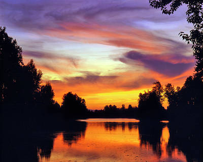 Usa, Oregon Sunset Reflecting Art Print by Jaynes Gallery