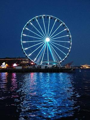 Ben Weinberg Photograph - Usa Washington - Seattle Waterfront Ferris Wheel 3 by Benjamin Weinberg