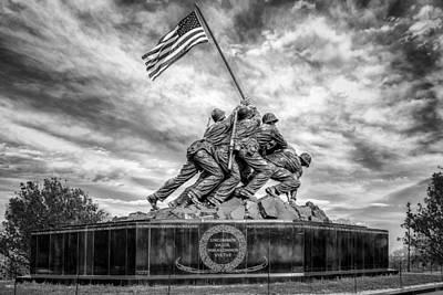 Washington Monument Photograph - Usmc Iwo Jima Memorial Bw by Susan Candelario