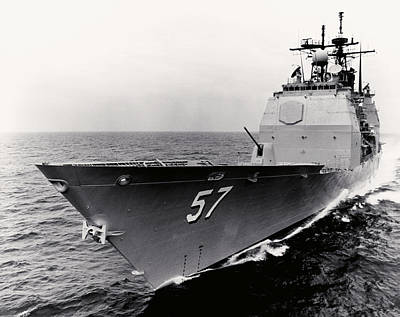 Photograph - Usn Lake Champlain At Sea by Historic Image