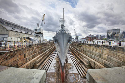 35mm Photograph - Uss Cassin Young by Eric Gendron