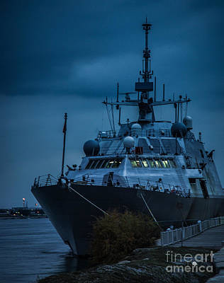 Photograph - Uss Freedom Lcs1 by Ronald Grogan