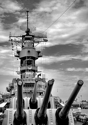 Photograph - Uss Missouri Guns  by Robert Meyers-Lussier