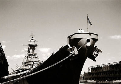 Photograph - Uss Missouri by Marilyn Hunt