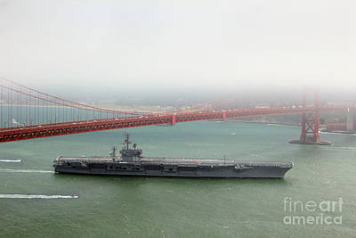 Uss Nimitz Cvn-68 Golden Gate Bridge Art Print