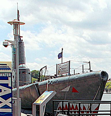 Photograph - Uss Torsk Ss 423 Water Taxi by Pamela Hyde Wilson