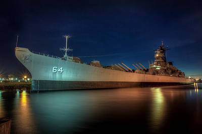 Photograph - Battleship Wisconsin by Jerry Gammon