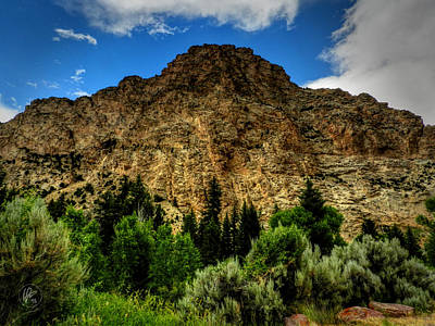 Photograph - Utah - Navajo Cliffs 001 by Lance Vaughn