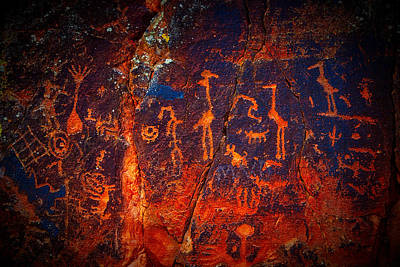Photograph - V-bar-v Petroglyphs by Giovanni Allievi