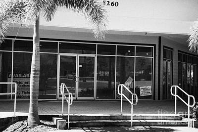 Vacant Empty Strip Mall In Kissimmee Florida Usa Print by Joe Fox