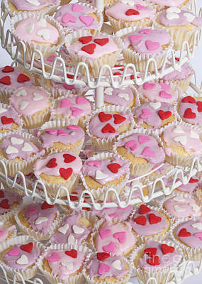 Photograph - Valentines Cupcakes On Stand by Diane Macdonald
