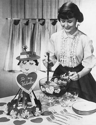 Ladle Photograph - Valentine's Day Party by Underwood Archives