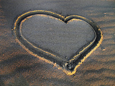 Photograph - Valentine's Day - Sand Heart by Daliana Pacuraru