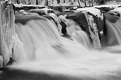 Valley Falls D30009145_bw Art Print by Kevin Funk
