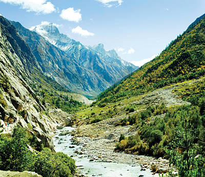 Valley Of River Ganga In Himalyas Mountain Art Print by Raimond Klavins