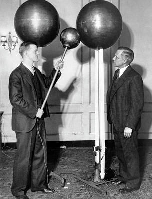 Atom Photograph - Van De Graaff And Karl Compton by Massachusetts Institute Of Technology Museum And Smithsonian Institution, Courtesy Aip Emilio Segre Visual Archives