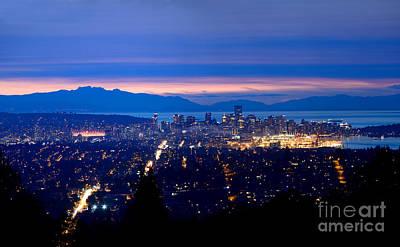 Photograph - Vancouver City Skyline At Dusk by Terry Elniski