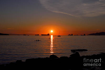 Photograph - Vancouver English Bay Sunset 3 by Terry Elniski