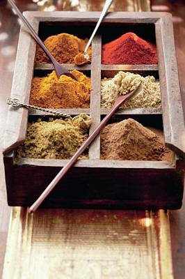 Various Spices In A Wooden Box With Spoons (arabia) Art Print