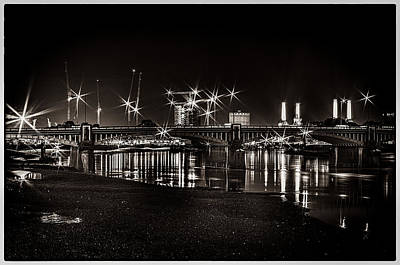 Photograph - Vauxhall Bridge At Night by Lenny Carter