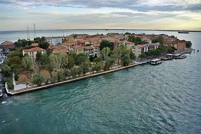 Photograph - Venice-242 by Rezzan Erguvan-Onal