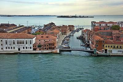 Photograph - Venice-248 by Rezzan Erguvan-Onal