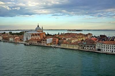 Photograph - Venice-249 by Rezzan Erguvan-Onal