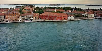 Photograph - Venice-252 by Rezzan Erguvan-Onal