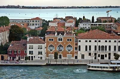 Photograph - Venice-255 by Rezzan Erguvan-Onal