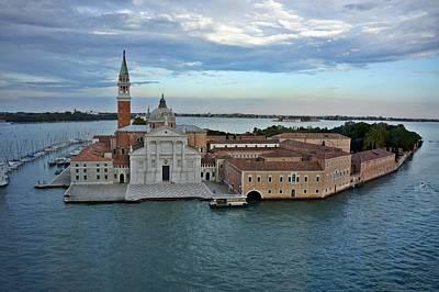 Photograph - Venice-258 by Rezzan Erguvan-Onal