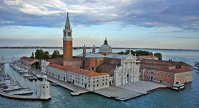 Photograph - Venice-259 by Rezzan Erguvan-Onal