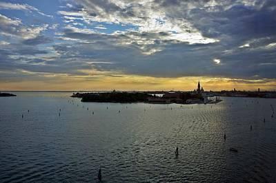 Photograph - Venice-266 by Rezzan Erguvan-Onal