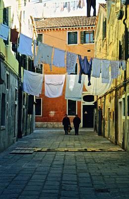 Photograph - Venice Alley by Ricardo J Ruiz de Porras