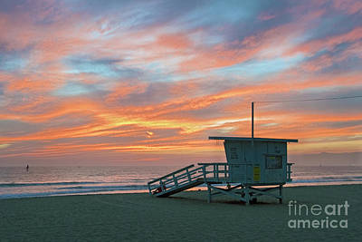 Photograph - Venice Beach Lifeguard Station Sunset by David Zanzinger