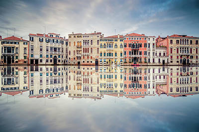 Photograph - Venice Reflections by Daniel Viñé Garcia