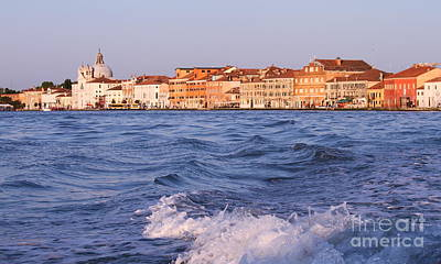 Photograph - Venice5 by Theresa Ramos-DuVon