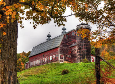 Autumn Scenes Photograph - Vermont Country Barn In Autumn by Joann Vitali