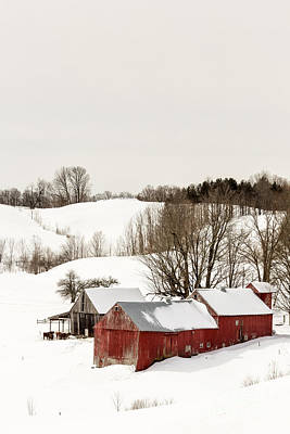 Red Buildings Photograph - Vermont Farm Scene In Winter by Edward Fielding
