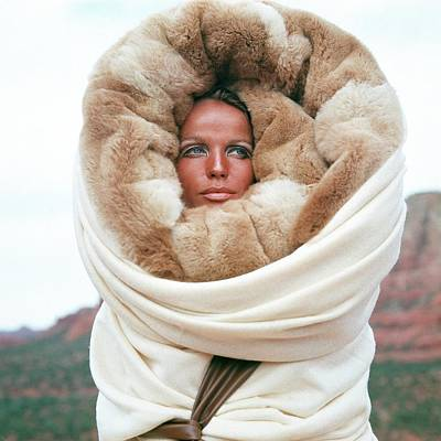Fashion Photograph - Veruschka Von Lehndorff Wearing A Fur Wrap by Franco Rubartelli