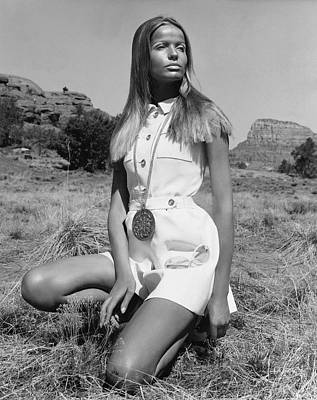 Long Necklace Photograph - Veruschka Von Lehndorff Wearing Ginala Culottes by Franco Rubartelli